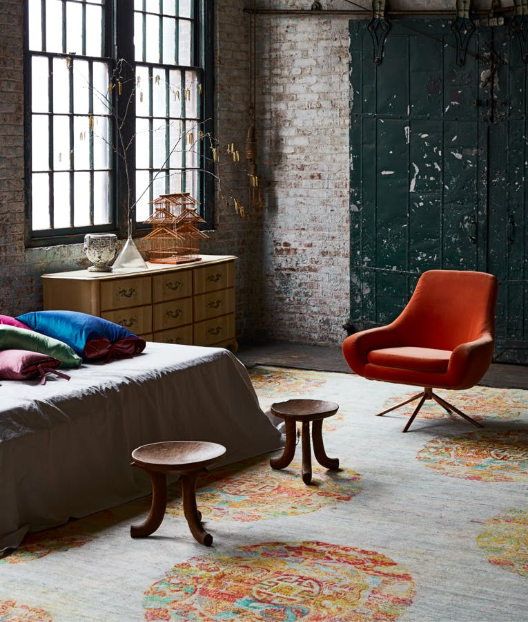 Restaurant - Oversized Rugs: Discover Grand Beauty